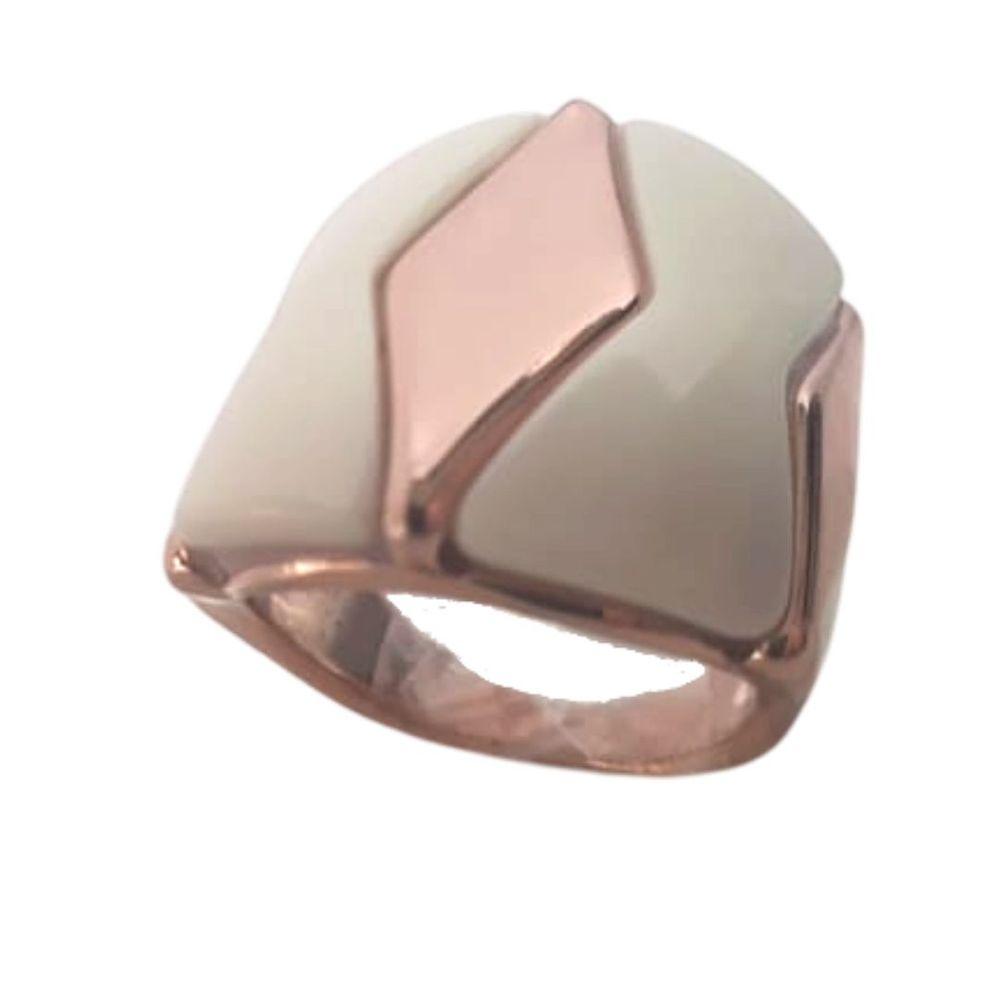anel-em-resina-off-white-com-detalhe-losangular-liso