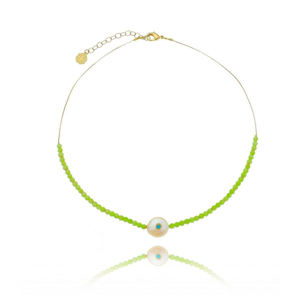 colar-liso-curto-com-pedras-verdes-e-perola-redondo-com-ponto-de-luz